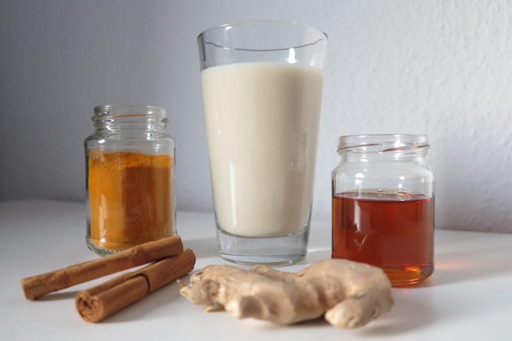 Zutaten für die Goldene Milch